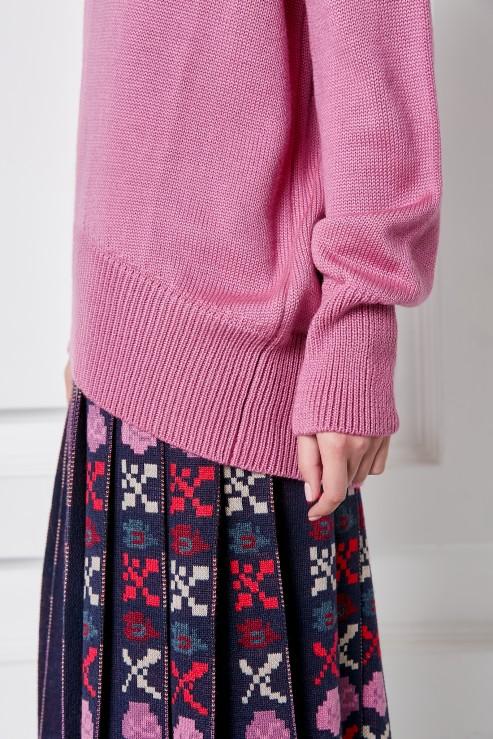 """Petra"" pink sweater photo"