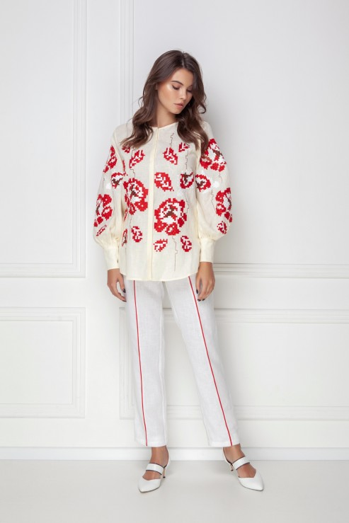 """Camelia"" creamy blouse photo"