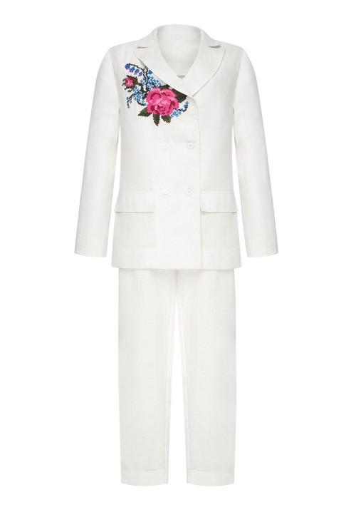 """Rose"" white costume photo"