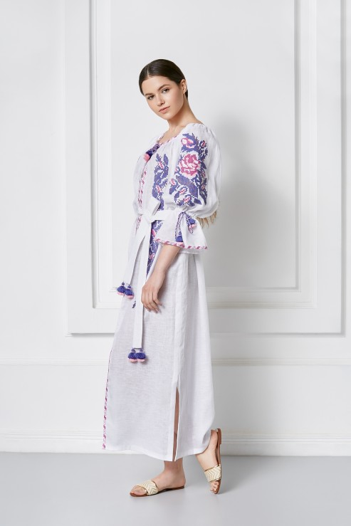 """""""Claire"""" white tunic with blue embroidery photo"""